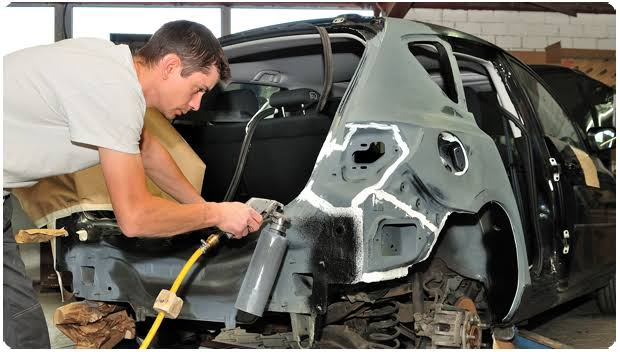 Taking Your Automobile for an Auto Body Repair Specialist