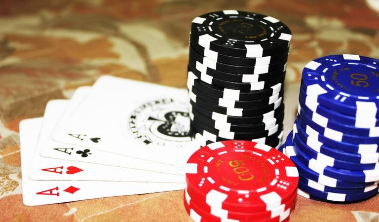 How to choose the best gambling website to play baccarat online?