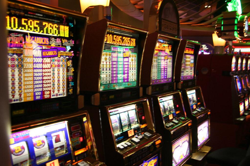 Learning the Basics of Online Slot Games