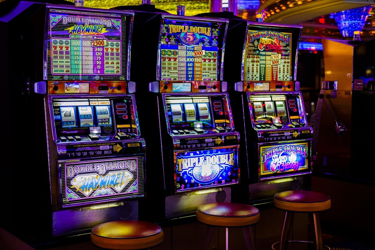 Best Slot Games – Advantages of Playing Slots Online